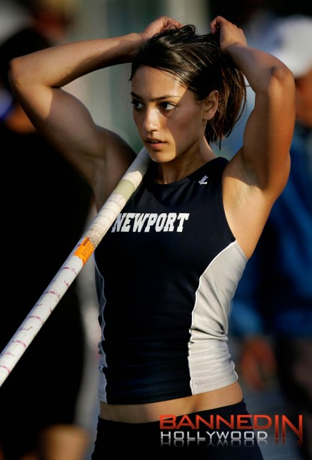 At Etes Allison Stokke Pole Vaulting Wallpaper
