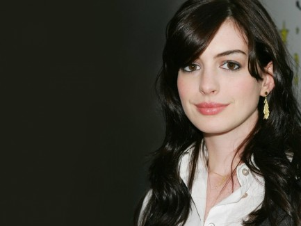 Anne Hathaway Pictures Hd Images Wallpapers