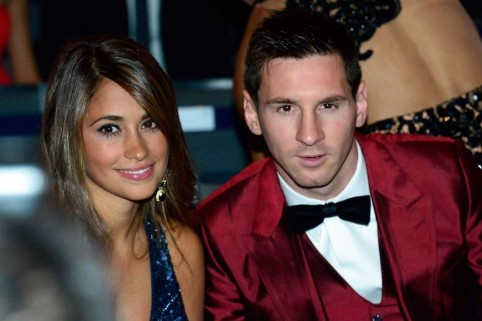 Xmessi And Antonella Roccuzzo Photo Beautiful Pretty Couple Argentina Romantic Love Hair Teeth Kiss Make Out Hugpagespeedic Ght Anw And Messi