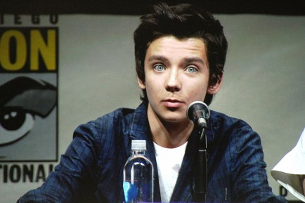 Enders Game Asa Butterfield My Teen Titans Young Justice Live Action Movie Characters