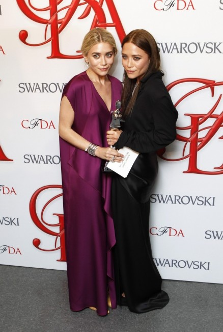 Mary Kate And Ashley Olsen Both Wore Pieces From Their The Row Movies