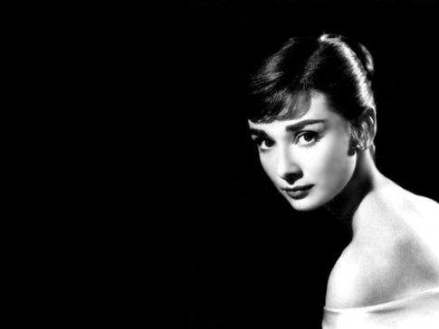 Audrey Hepburn Black White Wallpaper