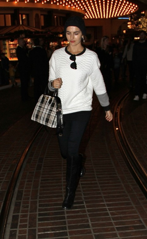 Camilla Belle Went For Shopping In Hollywood