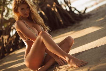Charlotte Mckinney Leaked Photos