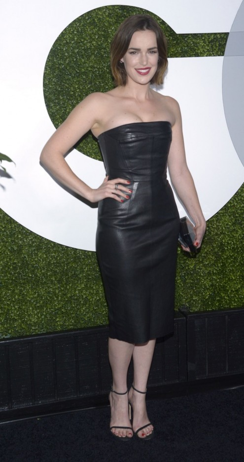 Elizabeth Henstridge Attends The Gq Men Of The Year Party In Los Angeles