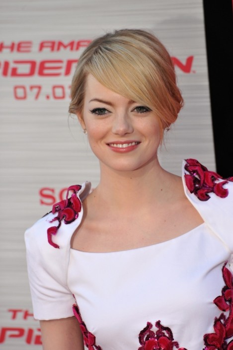 Emma Stone Blonde Side Bangs Hairstyle