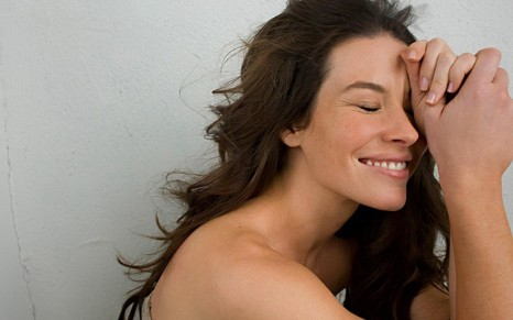 At First Was Mad They Added Tauriel To The New Hobbit But Then Realized Evangeline Lilly Is Most Beautiful Woman Evergif Tauriel