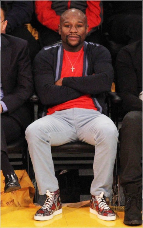 Floyd Mayweather At Lakers Game Spl Cast Of Mo Money