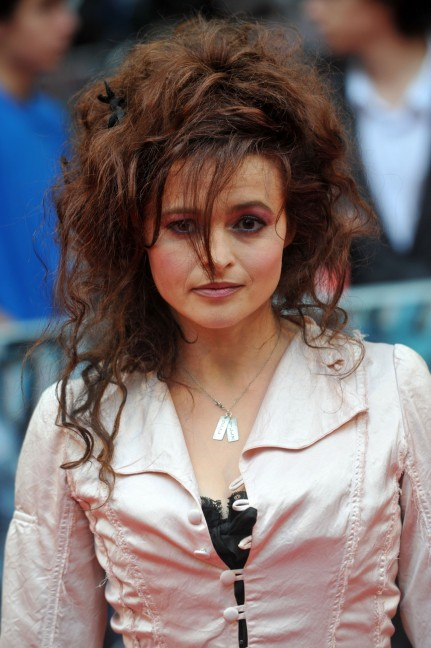 Helena Bonham Carter Harry Potter Uk Premiere Vettrinet Body