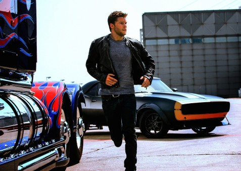 Jack Reynor Running In Transformers Delivery Man