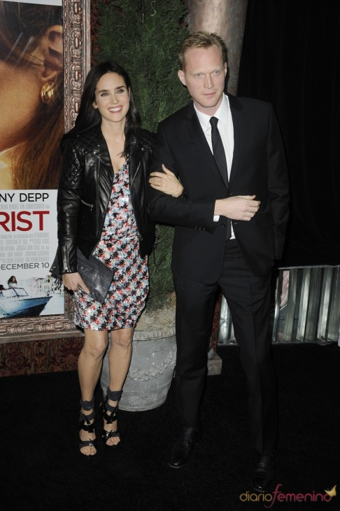 Jennifer Connelly Paul Bettany En The Touris Paul Bettany