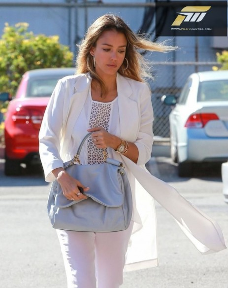 Jessica Alba Street Fashion Going To Her Company In Santa Monica March