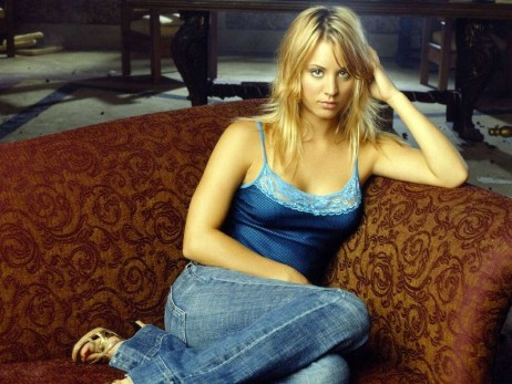 Kaley Cuoco In Lace Camitop With Jeans Person Photo