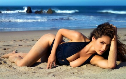 Kelly Brook Widescreen Am Wallpaper