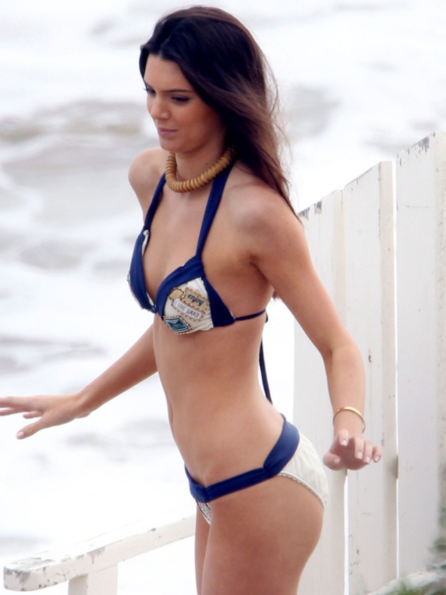 Kendall Jenner On The Beach Full Hd Picture Kendall Jenner Beach Bikini Photoshoot In La Bikini