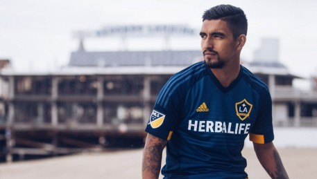La Galaxy Kit Launch Img