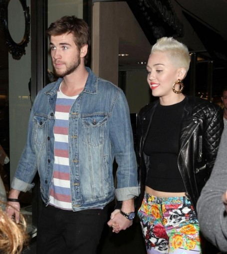 Miley Cyrus Et Liam Hemsworth And Miley Cyrus