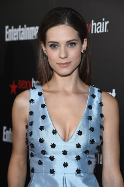 Lyndsy Fonseca Attend The Ew Celebration Honoring The Sag Awards Nominees In Los Angeles