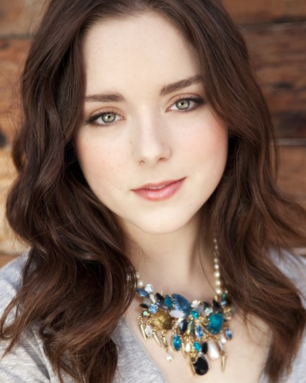 Madison Davenport Wallpaper