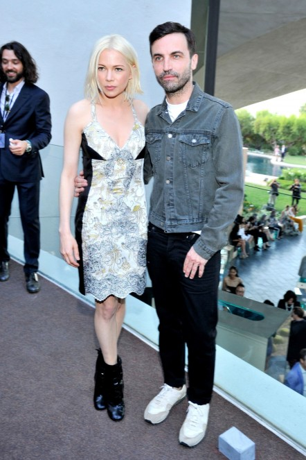 Hbz Lv Front Row Michelle Williams Nicolas Ghesquiere