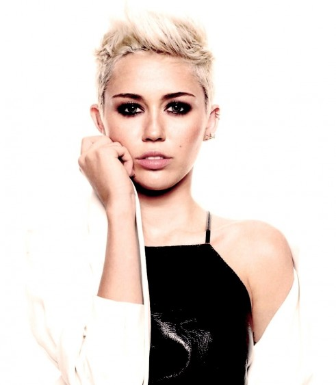 Miley Cyrus Hd Photo White