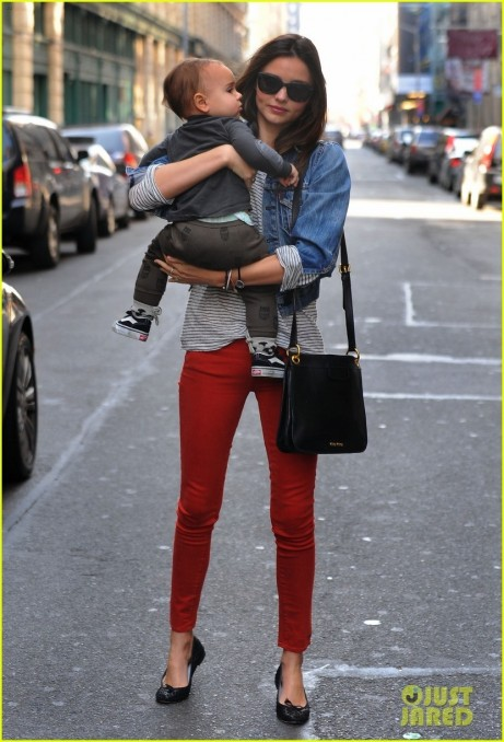 Miranda Kerr Saturday Stroll With Flynn Style