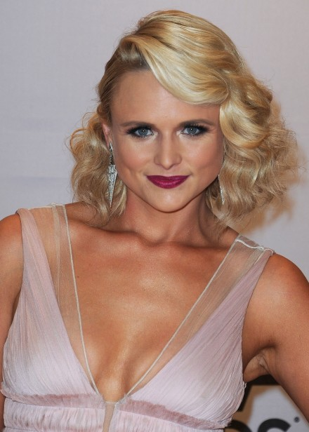Miranda Lambert Country Awards Hair Makeup Main