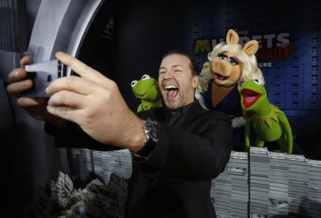 Ricky Gervais Takes Selfie Premiere Muppets Most Wanted Movie Movie