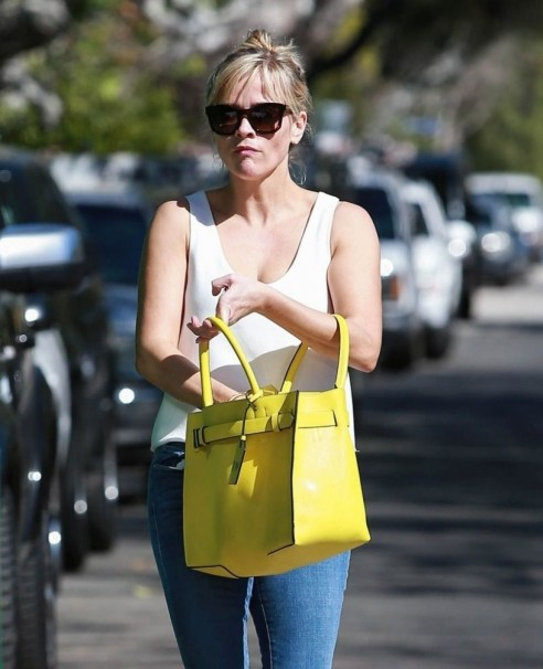 Reese Witherspoon Going Out For Shoppong In Pacific Palisades