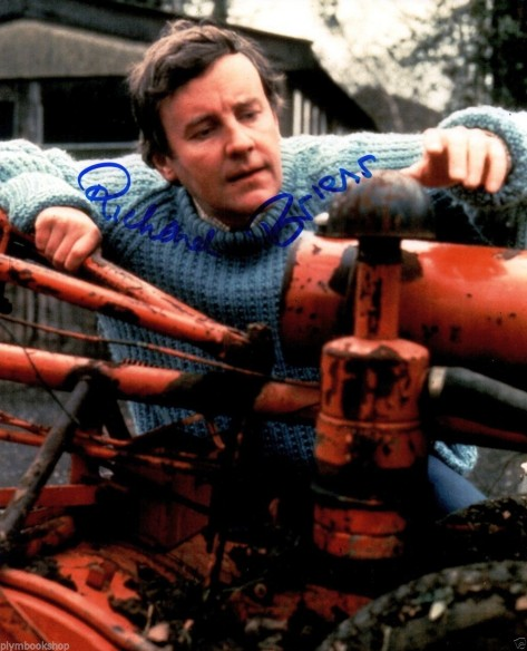 Richard Briers Authentic Signed Photograph Peter Pan