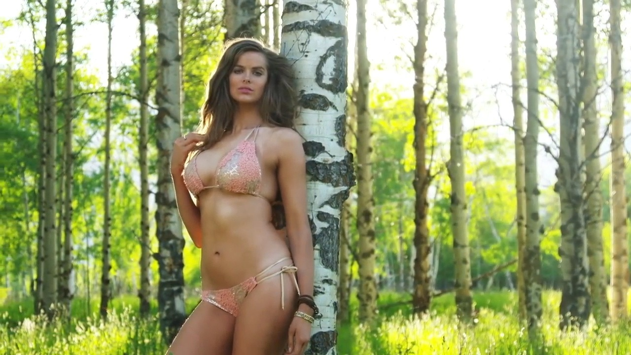 Robyn Lawley Sports Illustrated Swimsuit