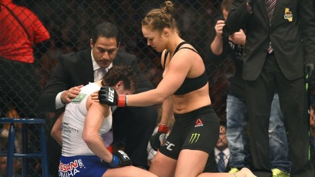 Ufc Ronda Rousey Consoles Cat Zingano As Pivresize High