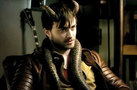 Daniel Radcliffe Zoom Not Sure About Ryan Reynolds As Deadpool Then Check Out The Trailer For Horror Comedy The Voices