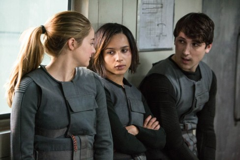 Shailene Woodley Zoe Kravitz And Miles Teller In Divergent Movies