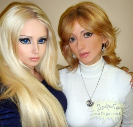 Real Life Barbie Valerie Lukyanova With Her Mother Family
