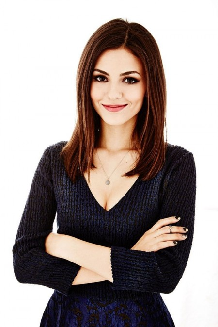 Victoria Justice Posing For Tca Tour Portraits
