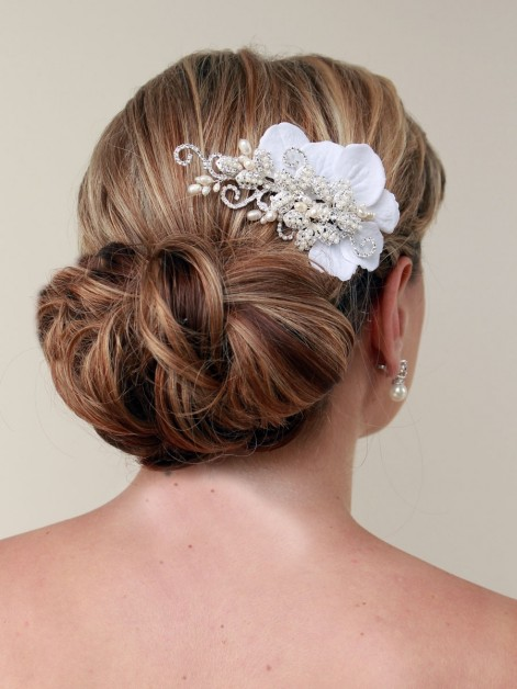 Romantic Wedding Hair With Flowers Fxfvmxuv With Flowers