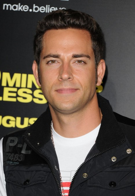 Zachary Levi At Event Of Minutes Or Less